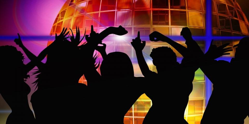 dance-366571_1280
